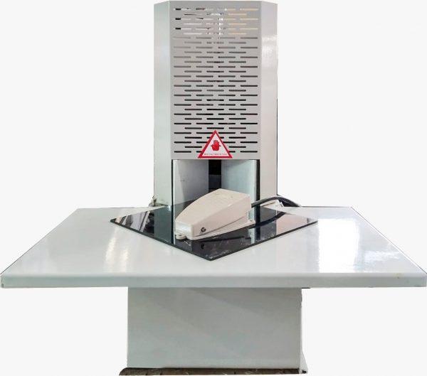 מכונת חיתוך חצי אוטומטית לפינות עגולות
